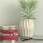 La de da! Living Sassy Wax Partners in Wine - Pour a Glass and Gossip The Night Away Candle 300g