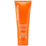 Купить Солнцезащитное смягчающее молочко для тела Lancaster Sun Sensitive Delicate Softening Body Milk SPF30 125 мл