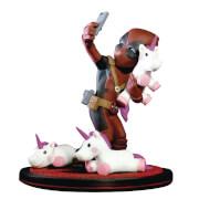 Statuette Deadpool Licornes et Selfie Diorama Q-Fig Marvel