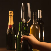 Weinglas ohne Boden - Bottomless Bubbles