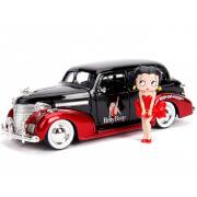 Jada Die Cast Betty Boop 1:24 1939 Chevy Master Deluxe and Betty Boop Figure