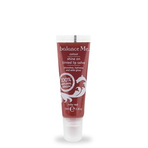 Balance Me Shine On getönter Lippenbalsam in Ruby Red