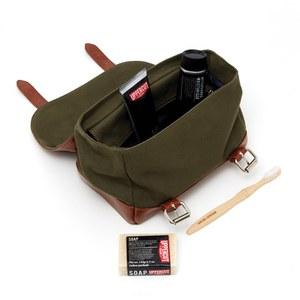 Uppercut Deluxe Wash Bag (Bag, Shave Cream, Moisturiser, Soap, Toothbrush)