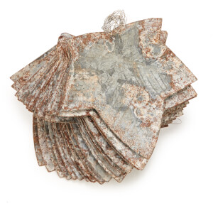 Nkuku Abari Garland Wire Leaf - Aged Zinc: Image 3