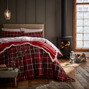 Catherine Lansfield Tartan Check Duvet Set - Red