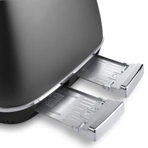 De'Longhi Distinta 4 Slice Toaster and Kettle Bundle - Black Finish: Image 7