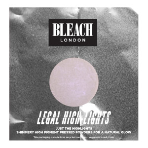 Iluminador en polvo Legal Highlights Blullini de BLEACH LONDON