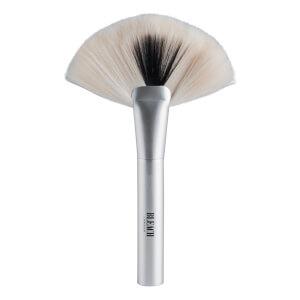 BLEACH LONDON Mu Accessories Powder Brush P002