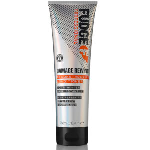 Acondicionador reparador Damage Rewind de Fudge 250 ml