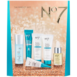 Boots No.7 The Perfect Gift (Worth $65.86)