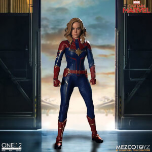 Figurine de collection articulée Captain Marvel, inspirée du film Marvel, échelle 1:12 – Mezco