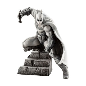 Kotobukiya Batman Arkham Series 10th Anniversary Artfx+ Batman Limited Edition Statue