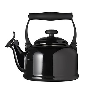 Le Creuset Traditional Kettle - Black Onyx