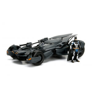 Jada Die Cast 1:24 Justice League Batmobile with Figure