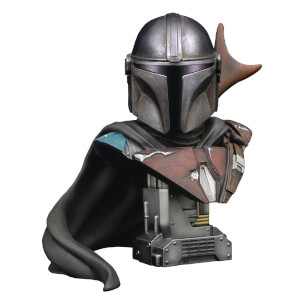 Diamond Select Star Wars Legends In 3D Mandalorian 1/2 Scale Bust