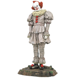 Diamond Select IT 2 Gallery Pennywise Swamp PVC Statue