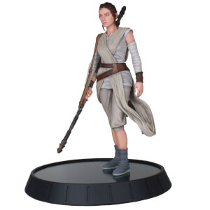 Diamond Select Star Wars Milestones Force Awakens Rey 1/6 Scale Statue
