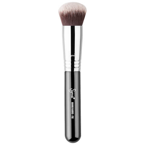 Sigma F82 Round Kabuki™ Brush