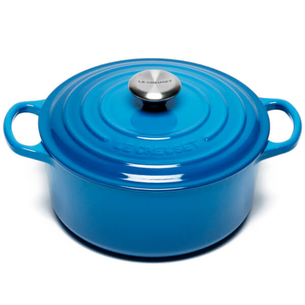 le creuset signature cast iron round casserole dish 24cm marseille blue iwoot. Black Bedroom Furniture Sets. Home Design Ideas