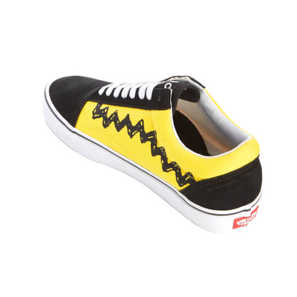 0add509128 Vans X Peanuts Men s Old Skool Trainers - Charlie Brown Black  Image 4
