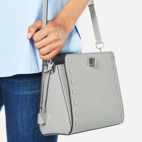6d1e9d018a3e MICHAEL MICHAEL KORS Women's Sylvie Medium Messenger Bag - Aluminium: Image  3