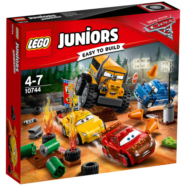 lego juniors cars 3 thunder hollow crazy 8 race 10744 toys. Black Bedroom Furniture Sets. Home Design Ideas