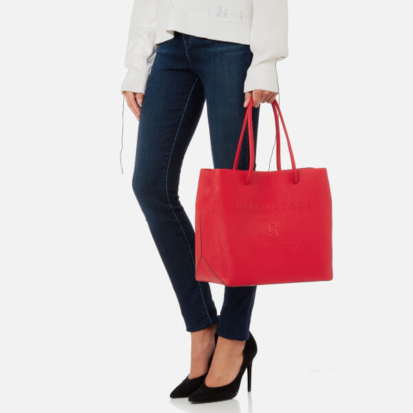 b6cc54913ee3 Marc Jacobs Women s Logo Shopper East West Tote Bag - Red Pepper  Image 3