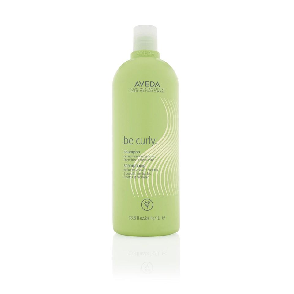 Köpa billiga Aveda Be Curly Shampoo (1000ml) - (Värde £70.00) online