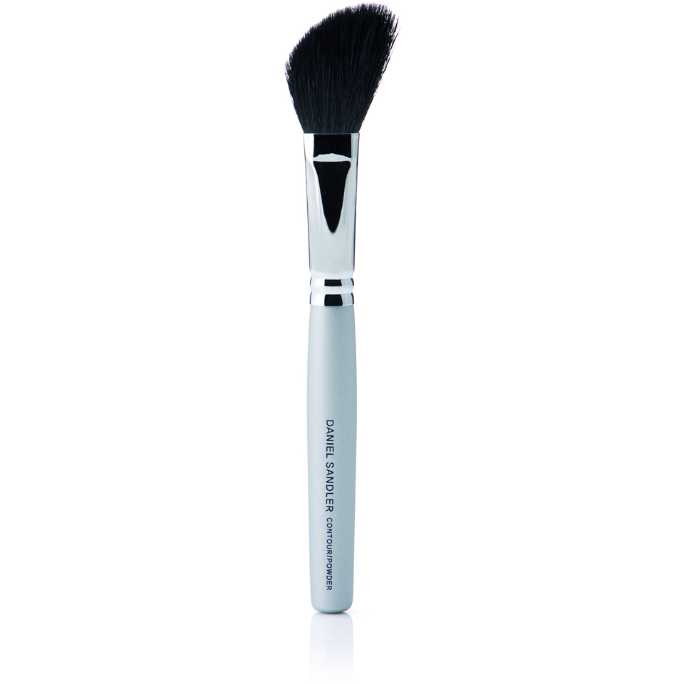 daniel-sandler-contour-powder-brush