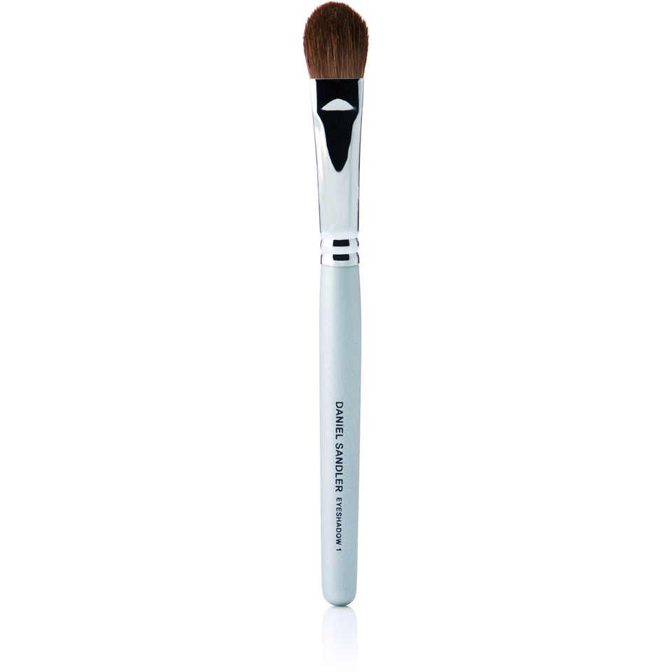 daniel-sandler-eyeshadow-brush-one