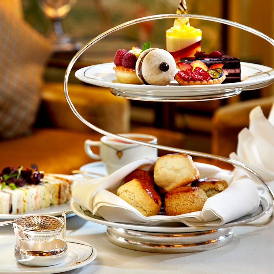champagne-afternoon-tea-for-two-at-park-lane-hotel-mayfair