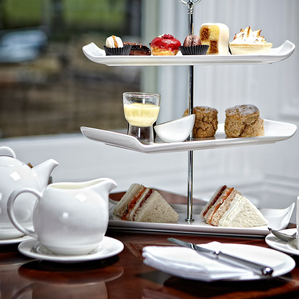 afternoon-tea-for-two-at-wivenhoe-house