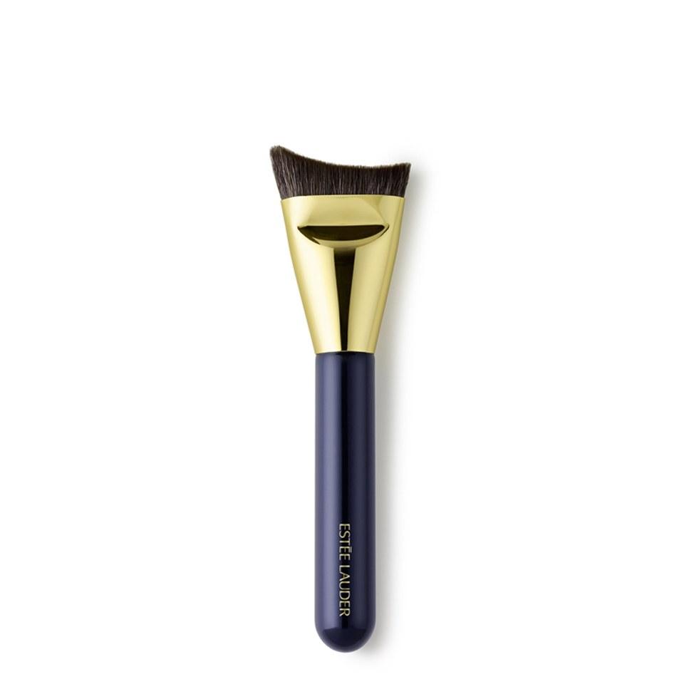 estee-lauder-sculpting-foundation-brush
