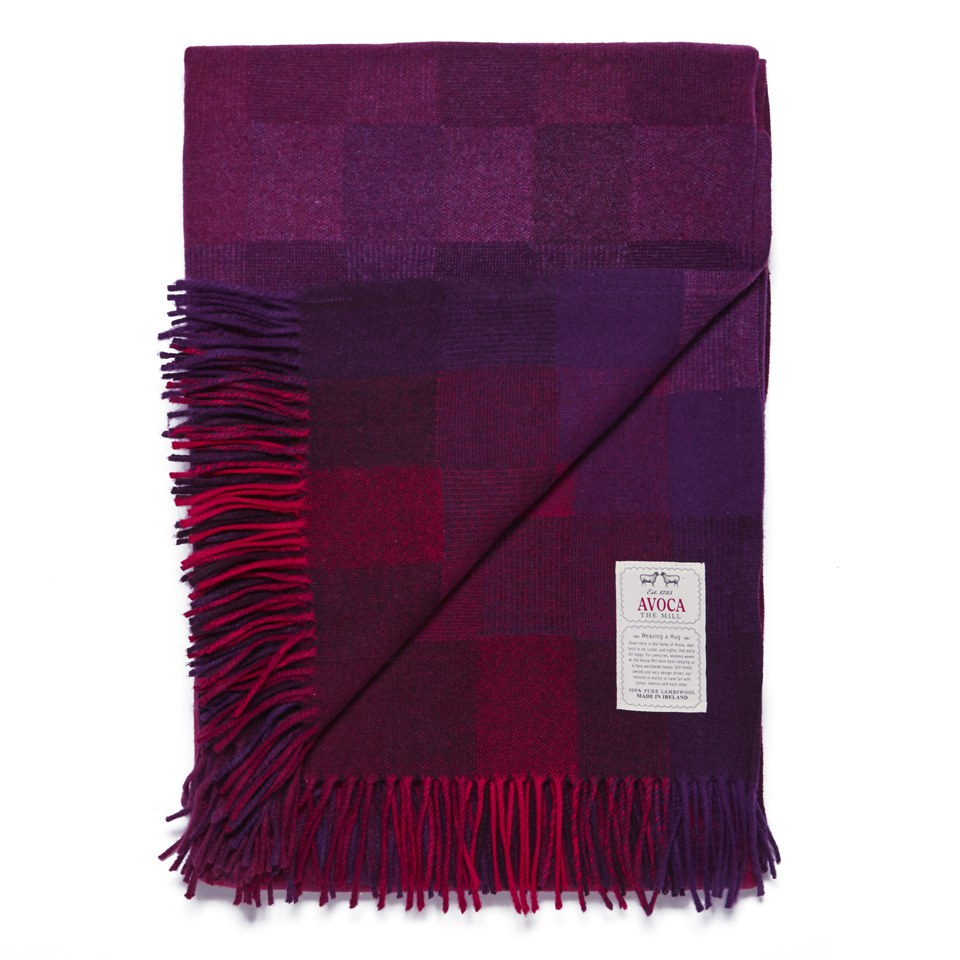avoca-spectrum-lambswool-throw-berry-142cm-x-183cm