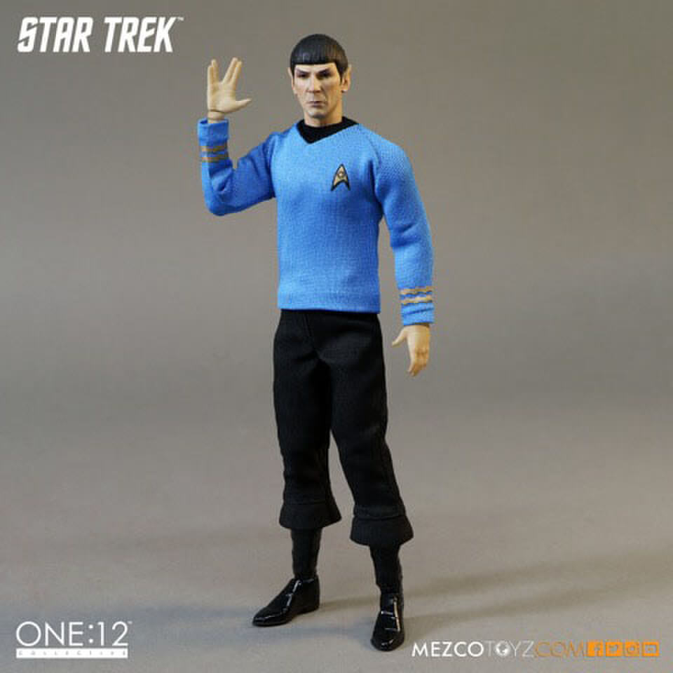 mezco-toys-star-trek-spock-6-inch-action-figure