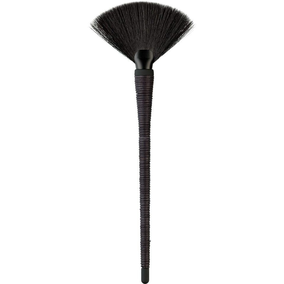 japonesque-kumadori-fan-brush