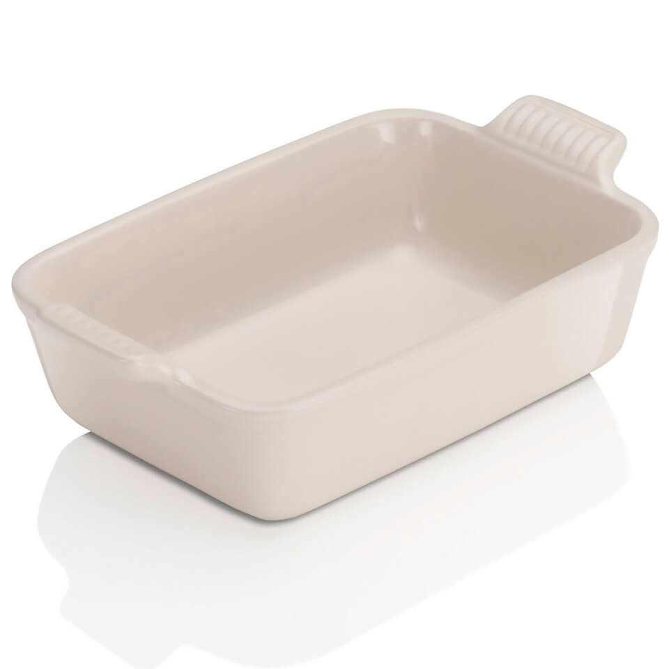le-creuset-stoneware-small-heritage-rectangular-roasting-dish-almond