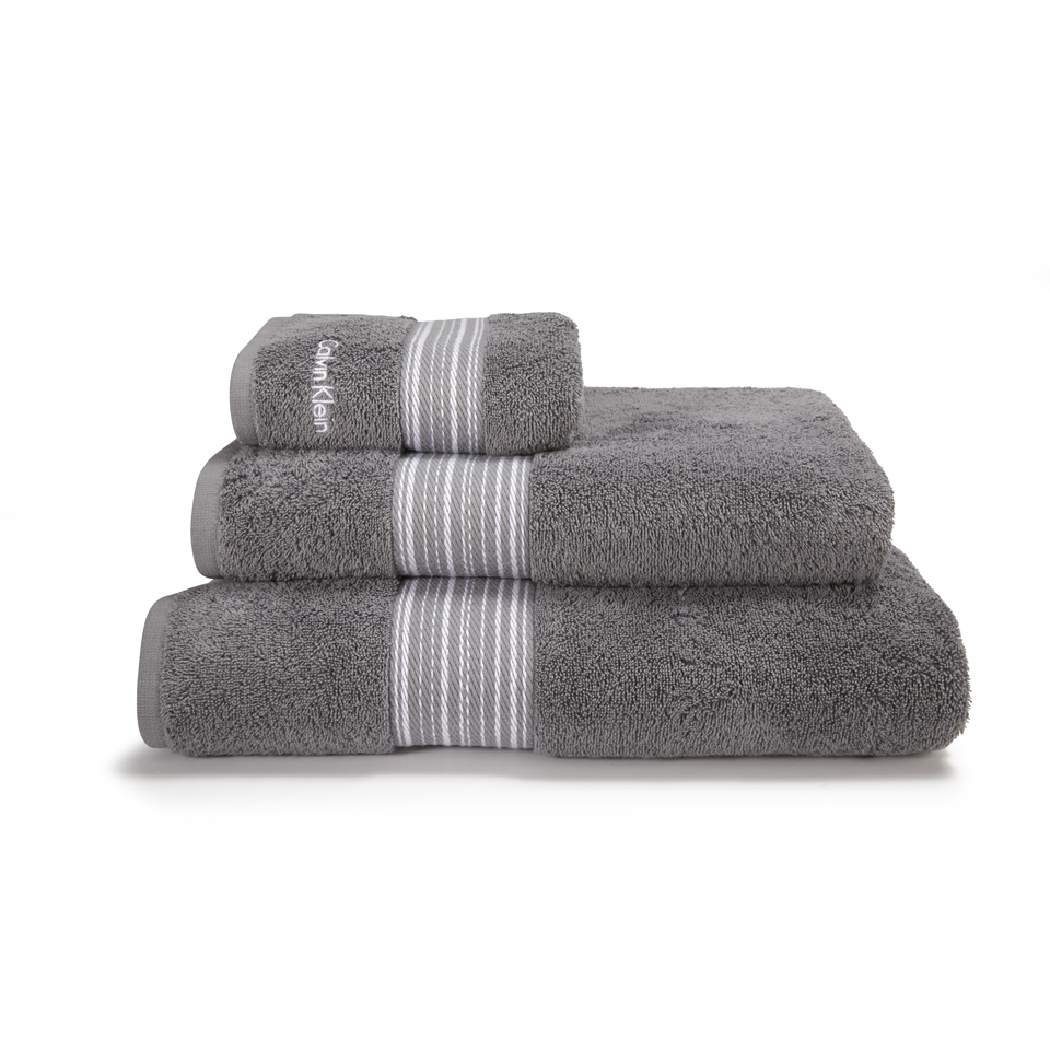 calvin-klein-riviera-shower-towel-charcoal