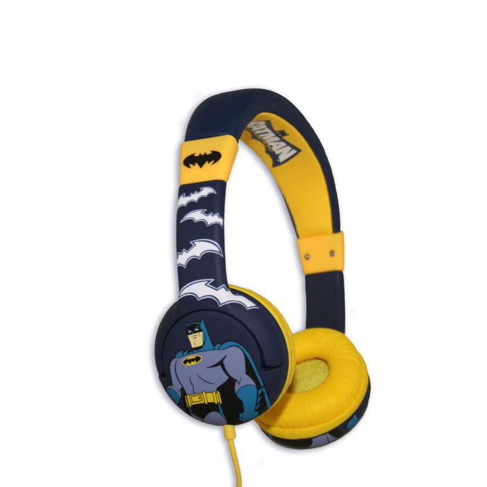 batman-children-on-ear-headphones-the-brave-the-bold