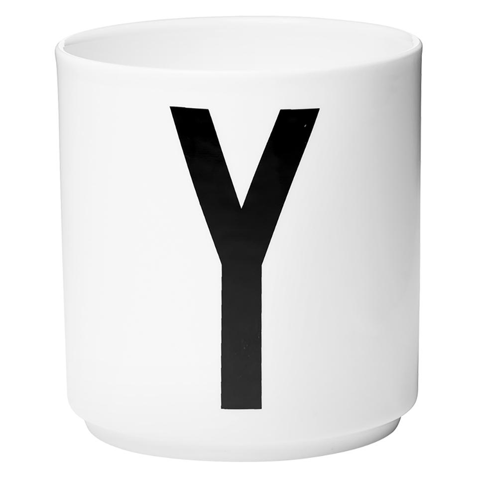 design-letters-porcelain-cup-y