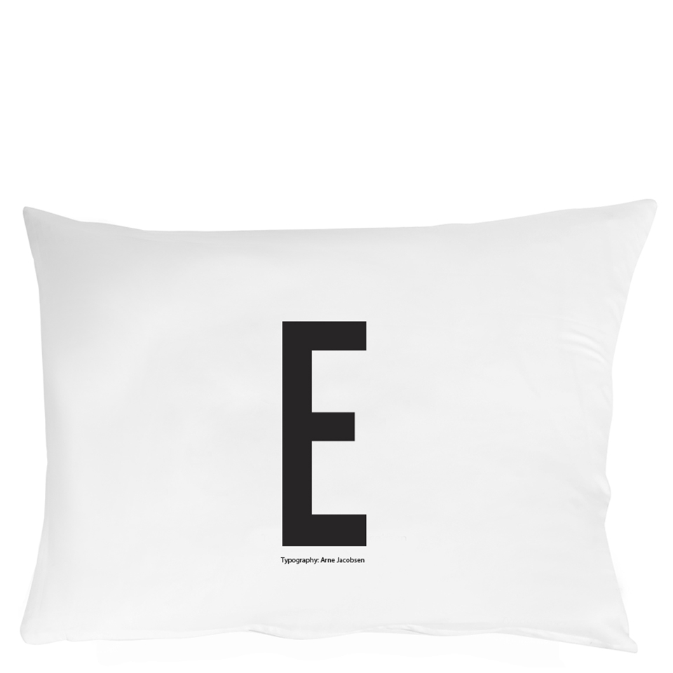 design-letters-pillowcase-70x50-cm-e