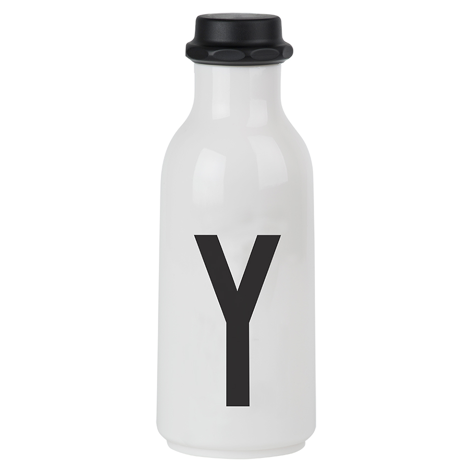 design-letters-water-bottle-y