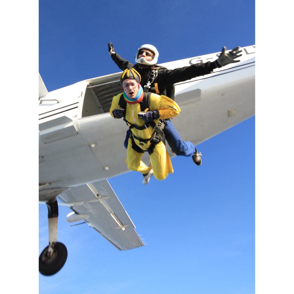 introductory-tandem-skydive-in-wales