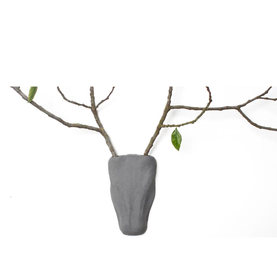 lyon-beton-concrete-trophy-vase