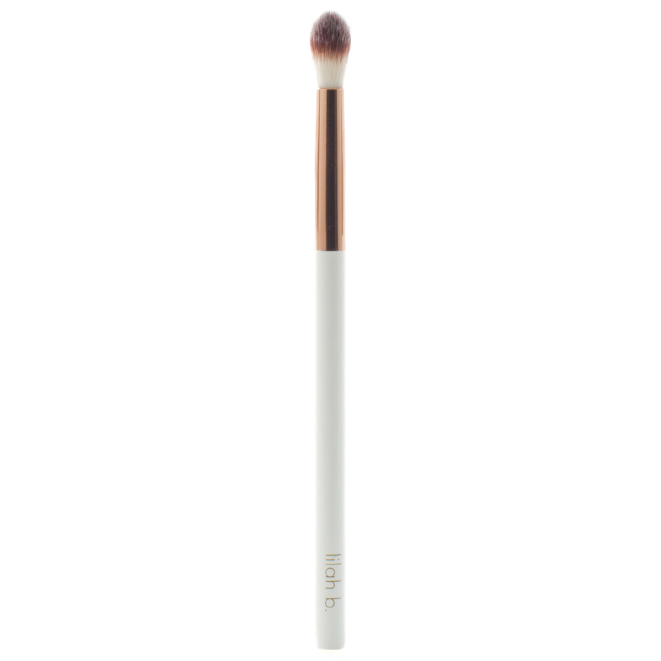 lilah-b-eye-crease-brush-4