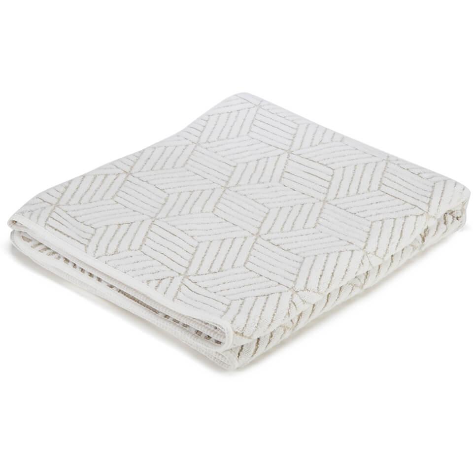 graccioza-cubic-towel-cubic-bath-sheet