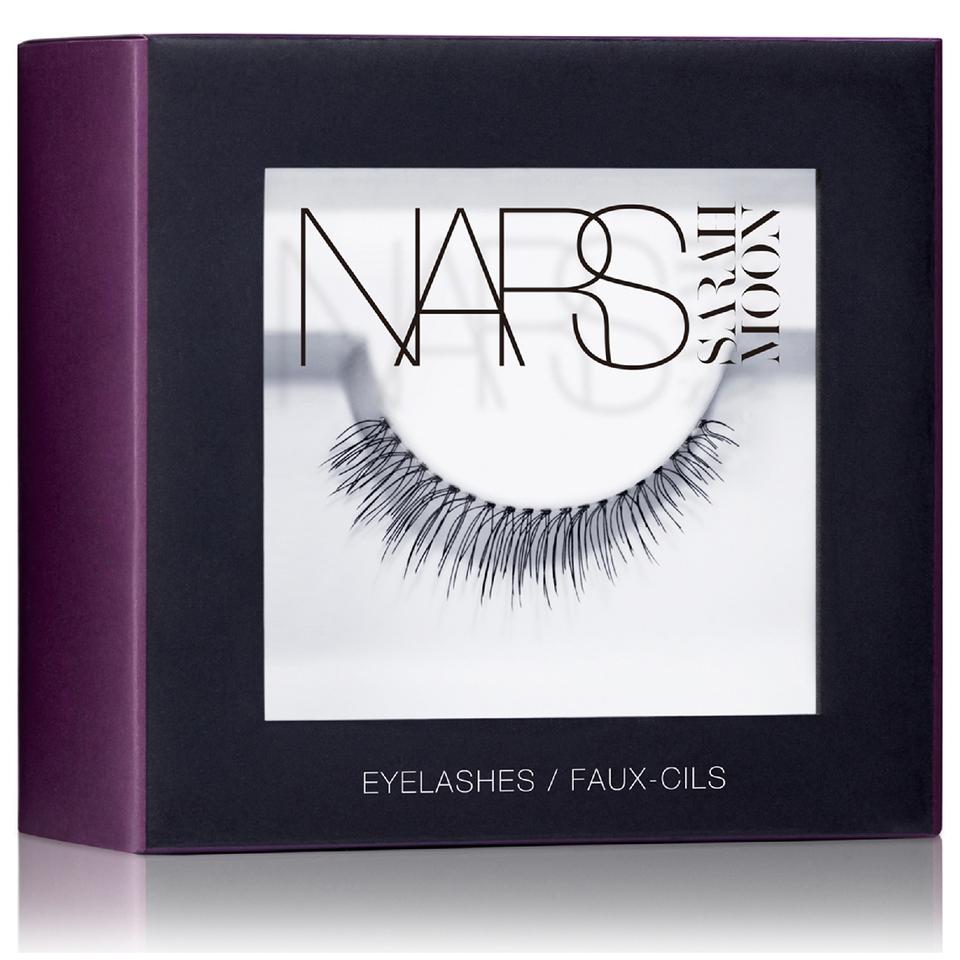 nars-cosmetics-sarah-moon-edition-eyelashes-numero-9