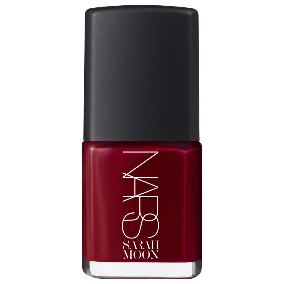 nars-cosmetics-sarah-moon-edition-nail-polish-la-dame-en-noir