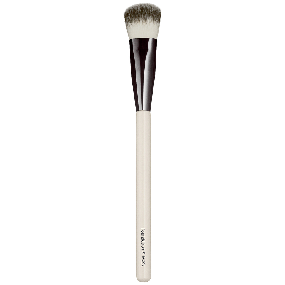 chantecaille-foundation-mask-brush