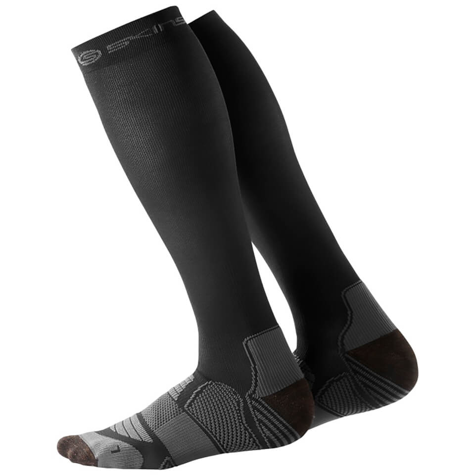 skins-essentials-men-active-compression-socks-black-pewter-l